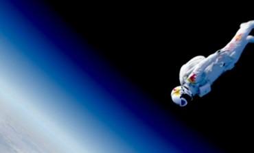Red Bull Stratos, en Vivo Aquí en MultiAnime. El salto más alto del mundo HOY 14 de Octubre 2012