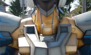 Ya puedes visitar al Busto Gigante de Jehuty en Akihabara